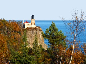 Split_Rock_Lighthouse_-_North_Shore_of_Lake_Superior